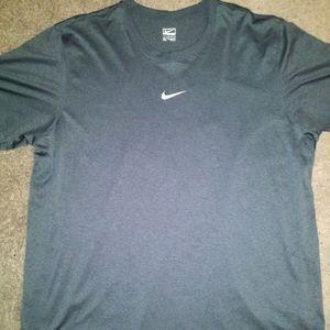 NWOT Nike Dri-Fit XL Tee-Shirt